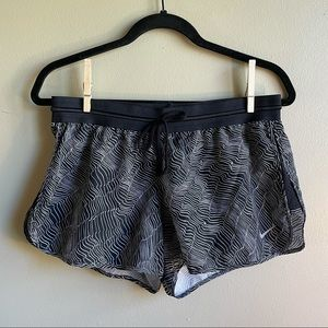 Nike Women's Dry-FIT Shorts Black and White Print